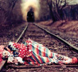 8 признаков человека со скрытой депрессией.