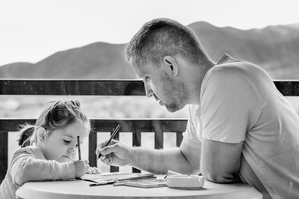 Последствия болезненных отношений отца и дочери.
